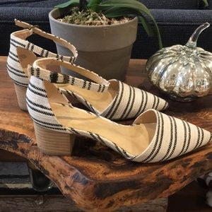 Crown Vintage Block Heels w/Ankle Strap, Size 8M